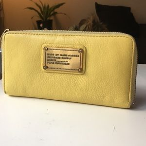 Marc by Marc Jacobs workwear yellow wallet